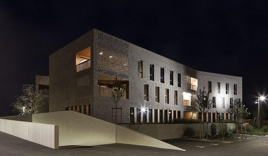 exterieur immeuble metronomy de nuit