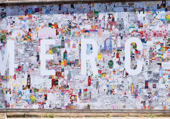 Installation de la fresque Notre Ville Imaginaire au CHU de Nantes